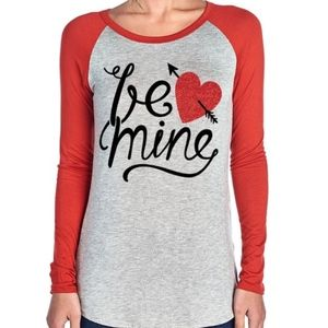 Tops - NWT Be Mine Valentine Heart Top T-shirt sleeves